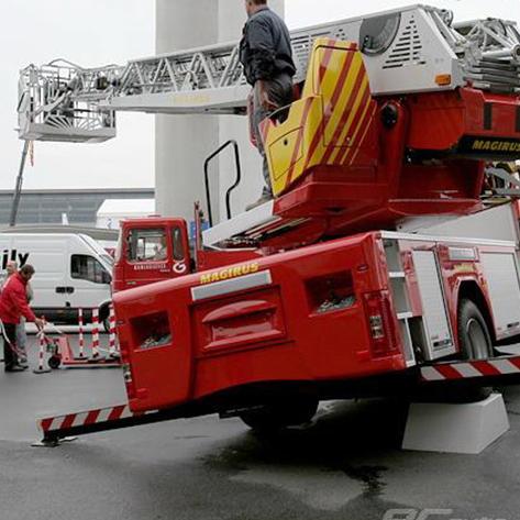 英国UK消防救援队选择Entel 对讲机